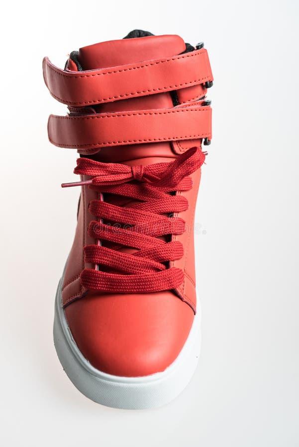 Chaussures de mode avec le shoestring Espadrille et dentelle rouges photos libres de droits