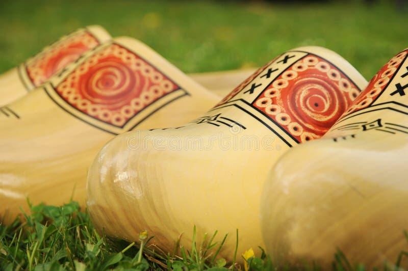 Chaussures en bois images libres de droits