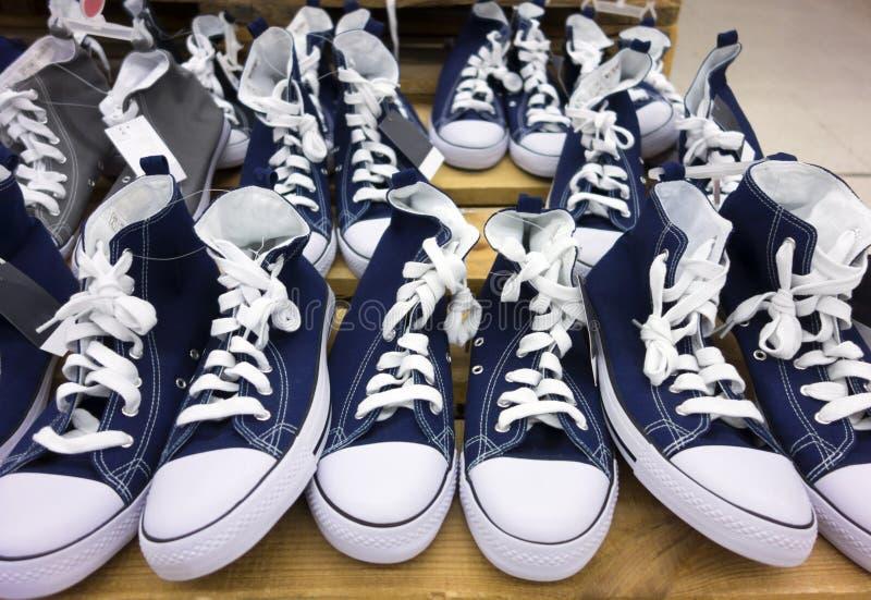 Chaussures inverses photographie stock libre de droits