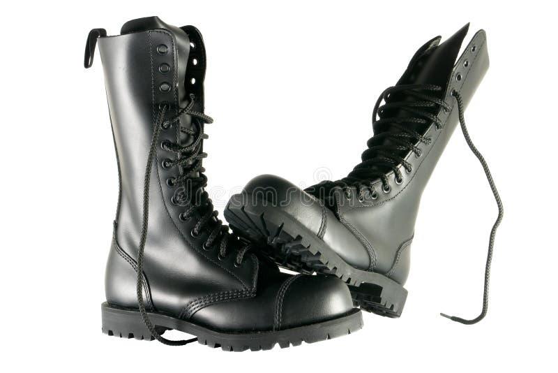 Chaussures noires d'armée images stock