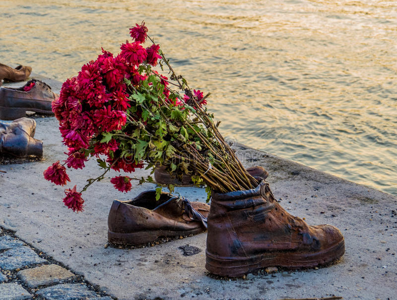 Chaussures sur la banque de Danube, Budapest photos libres de droits