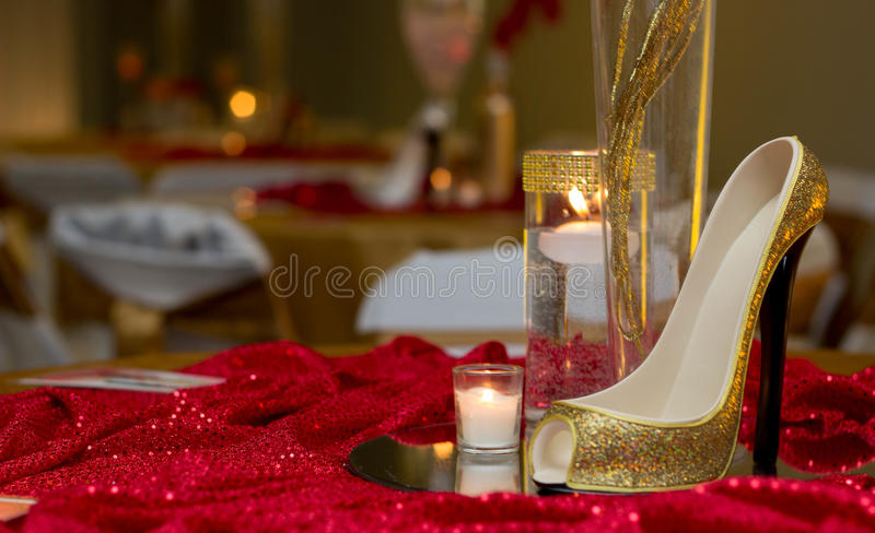chaussures sur une table image stock