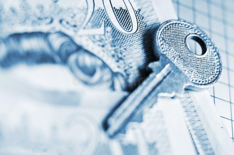 A chave à segurança de Finacial fotografia de stock royalty free