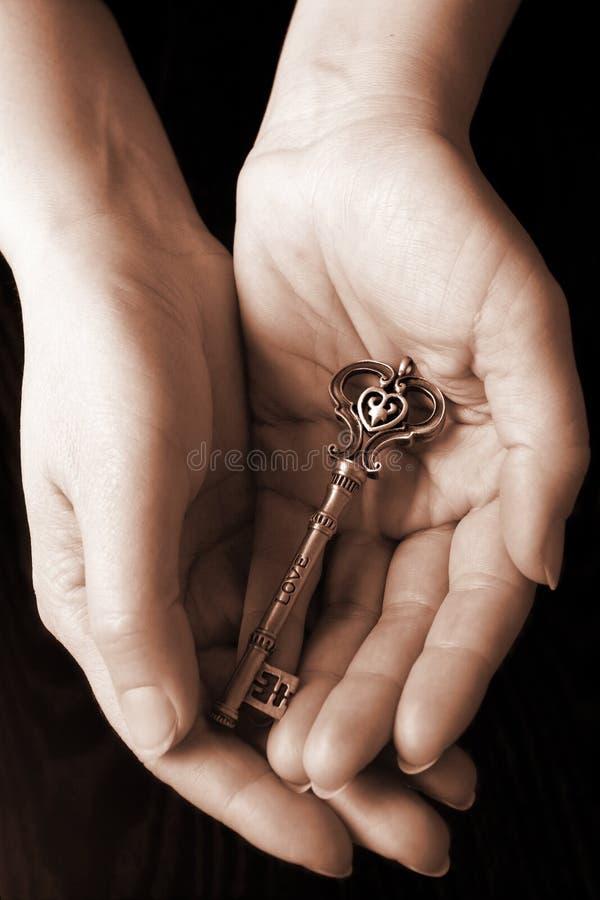A chave do amor imagens de stock royalty free