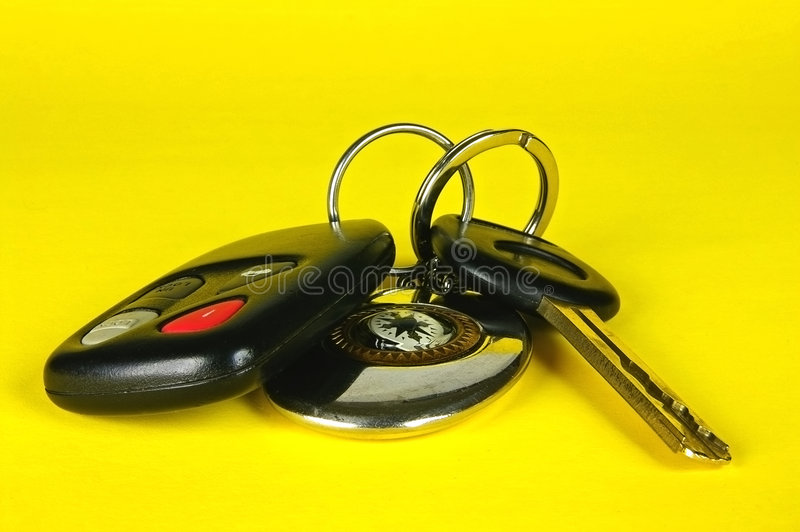 Chave do carro, de controle remoto e keychain fotografia de stock royalty free