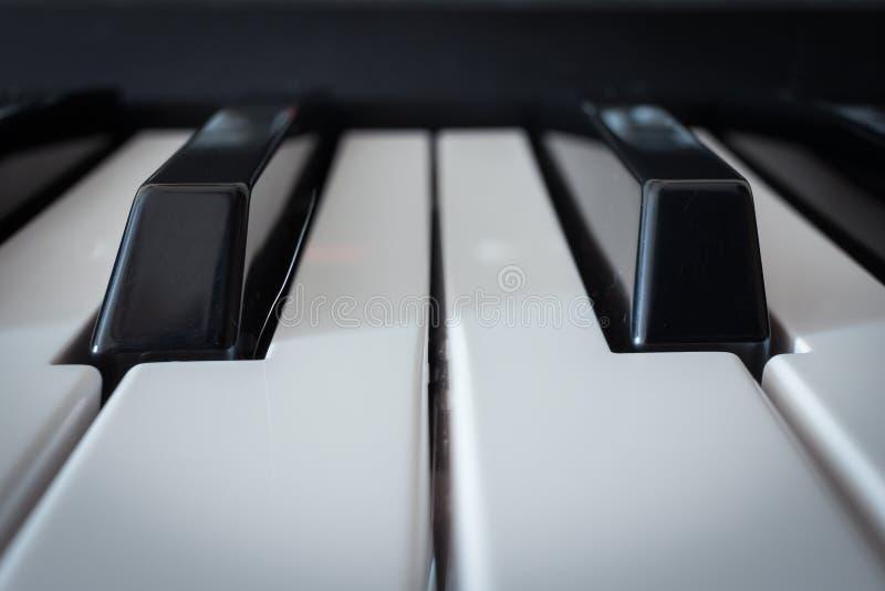 Chaves de teclado do piano foto de stock royalty free