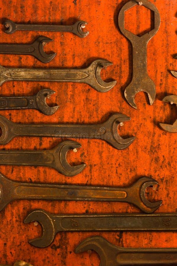 Chaves inglesas oxidadas imagens de stock