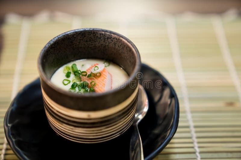 Chawanmushi,蒸的蛋乳蛋糕,日本料理在日本料理店 库存图片