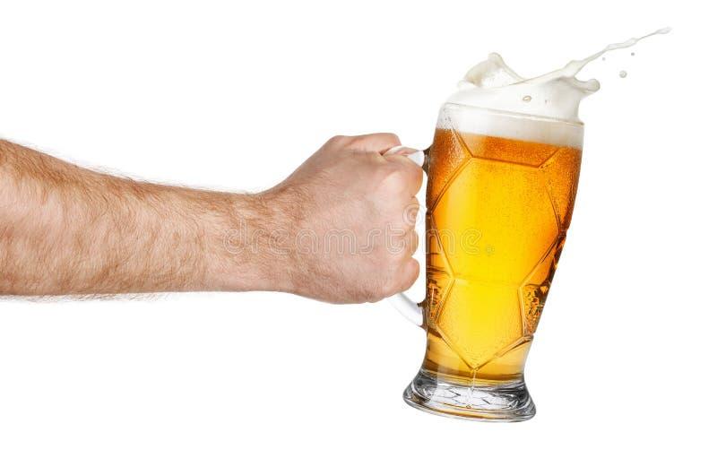 Chełbotania piwo w ręce zdjęcia royalty free