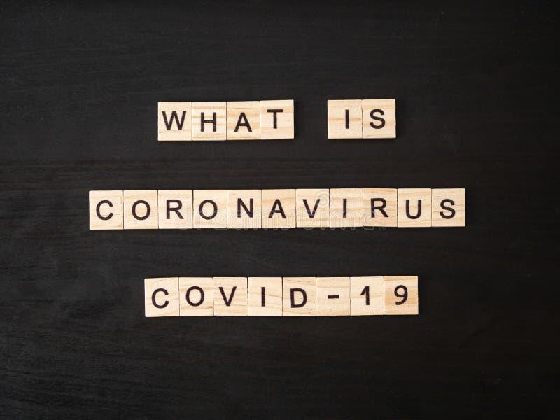 Che cos'è il coronavirus COVID-19 lettere immagini stock