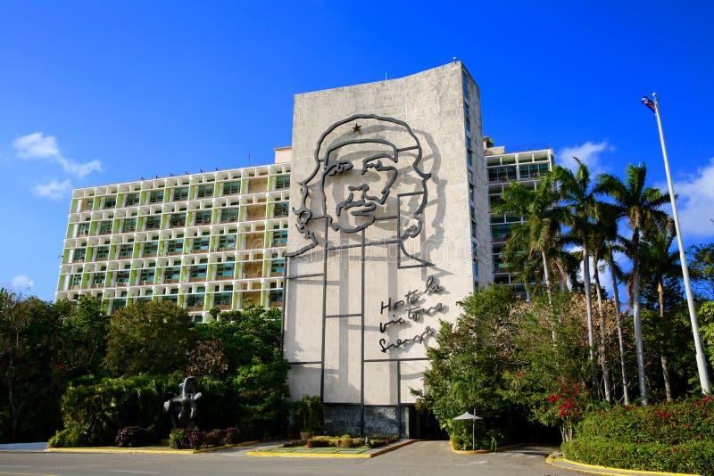 Che Guevara Image på byggnad, havannacigarr, Kuba fotografering för bildbyråer