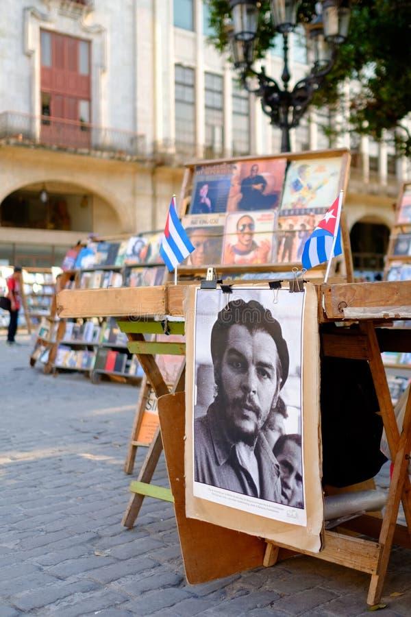 Che Guevara plakaty dla sprzedaży przy targi książki w Stary Hawańskim obraz royalty free