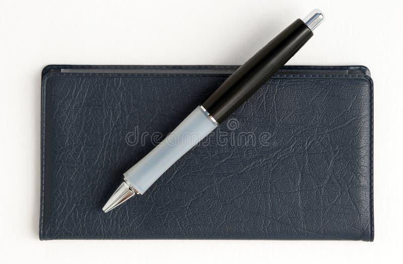 Download Checkbook en pen stock foto. Afbeelding bestaande uit geïsoleerd - 290032
