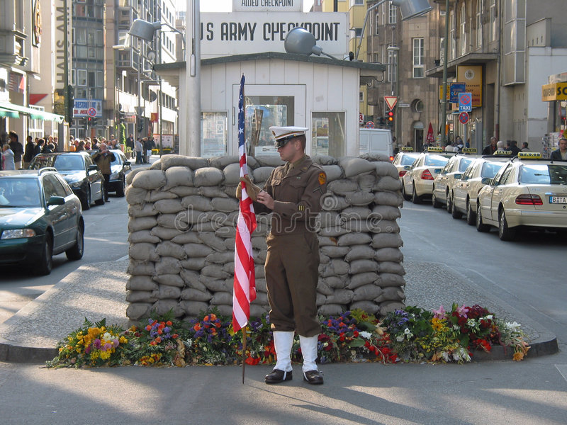 Download Checkpoint Charlie editorial image. Image of berliner - 7738700