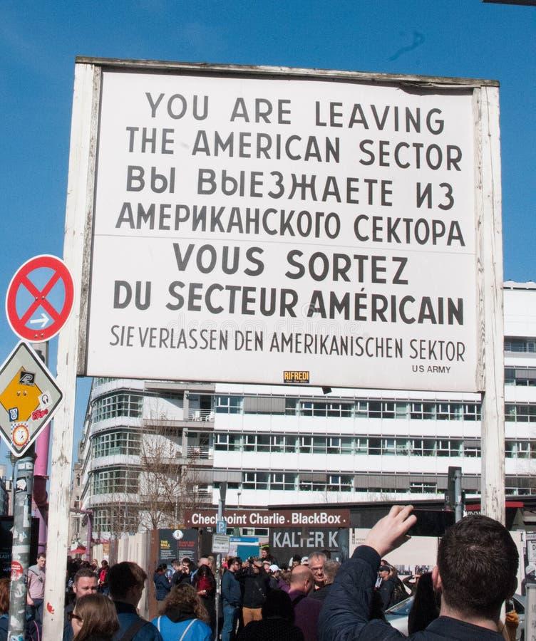 Checkpoint Charlie, Berlino, Germania immagini stock libere da diritti