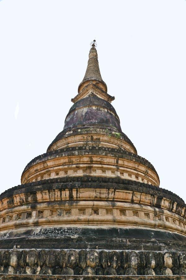 Chedi av Wat Umong royaltyfria foton
