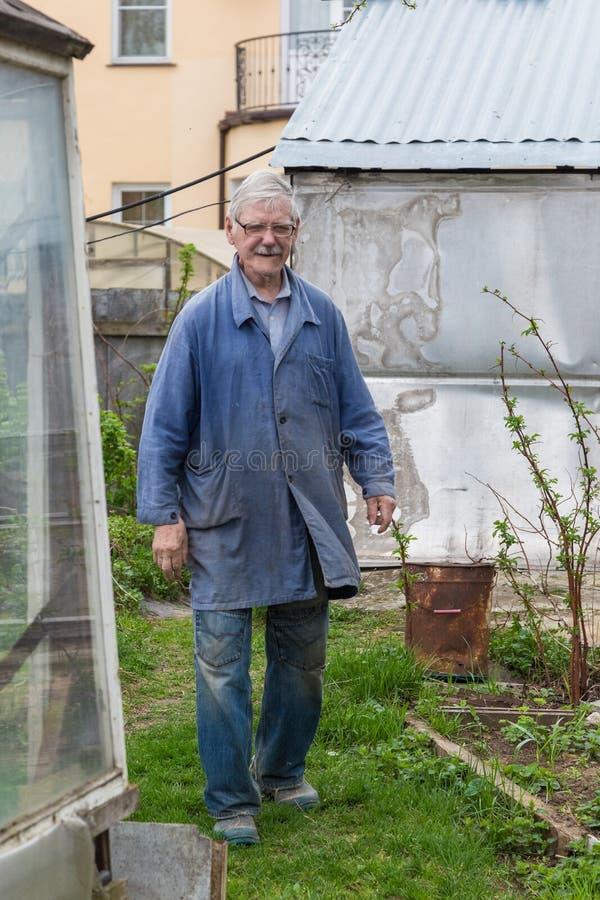 Free Cheerful Senior Elderly Man Digging Garden Spring Time Royalty Free Stock Photos - 186918418