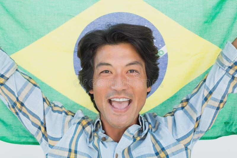 Cheering brasileiro do fan de futebol foto de stock royalty free