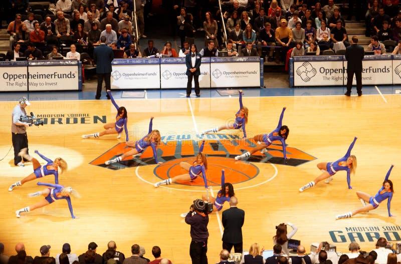 Download Cheerleaders Knicks fotografia editorial. Obraz złożonej z drużyna - 13326217