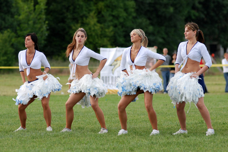 cheerleaders wykonują obrazy royalty free