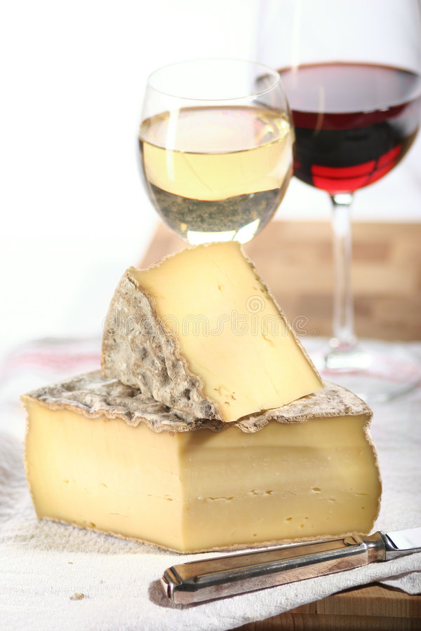 Free Cheese And Wine Royalty Free Stock Photography - 475607