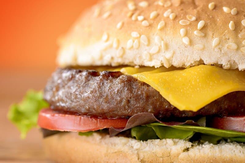 cheeseburger стоковые фотографии rf