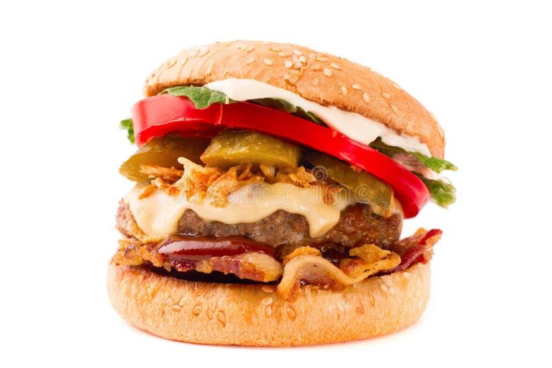 Cheeseburger caseiro do bacon isolado no fundo branco fotografia de stock royalty free