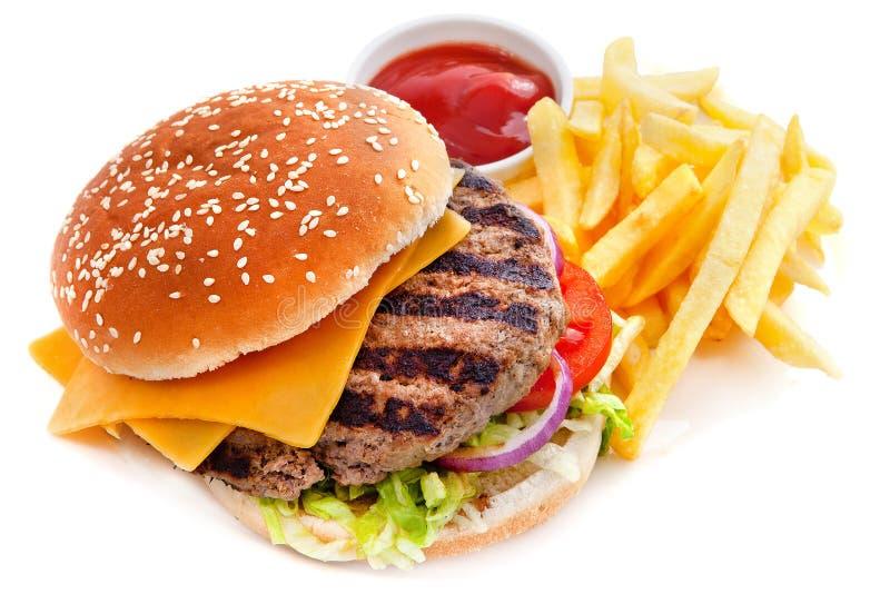 Cheeseburger mit Pommes-Frites lizenzfreie stockfotografie