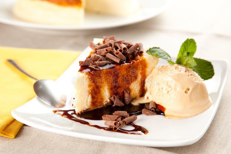 cheesecake πάγος κρέμας σοκολάτα&si στοκ εικόνες με δικαίωμα ελεύθερης χρήσης
