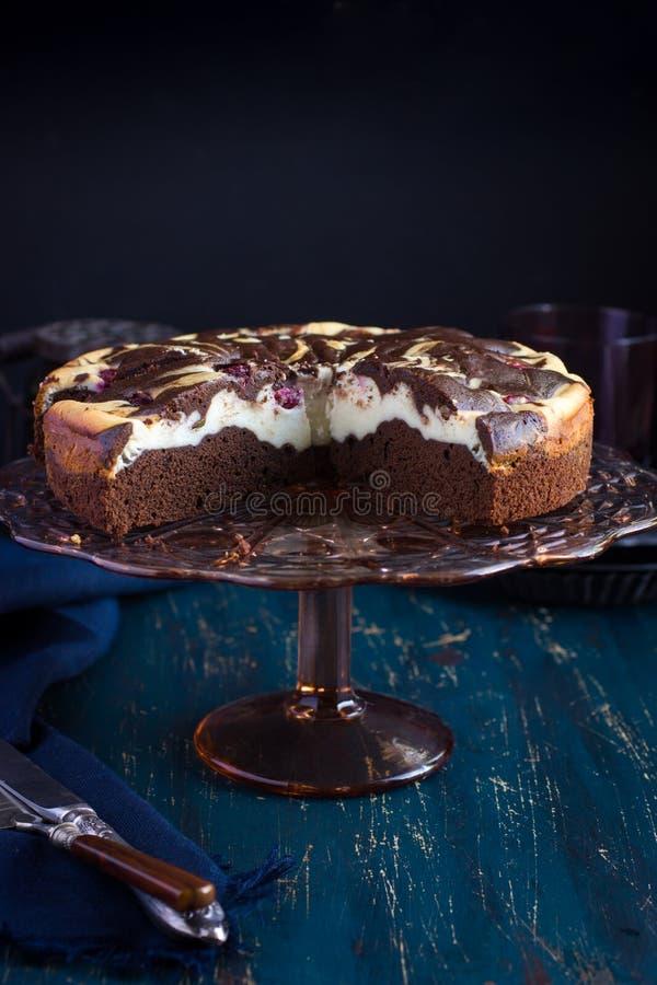 Cheesecake punktu tort z wiśnią obraz stock
