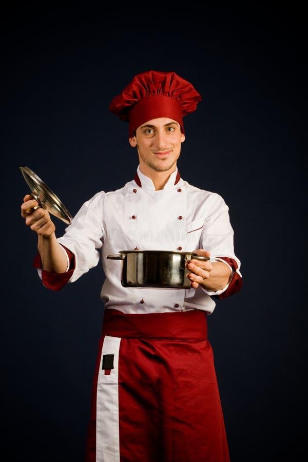 Chef avec le bac image stock