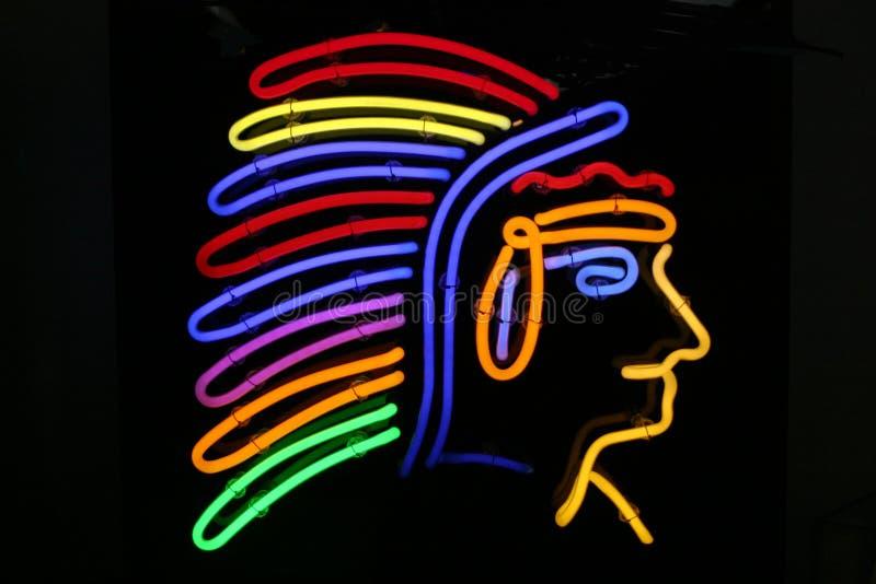 Chef de Peau Rouge de natif américain dans une lampe au néon illustration de vecteur