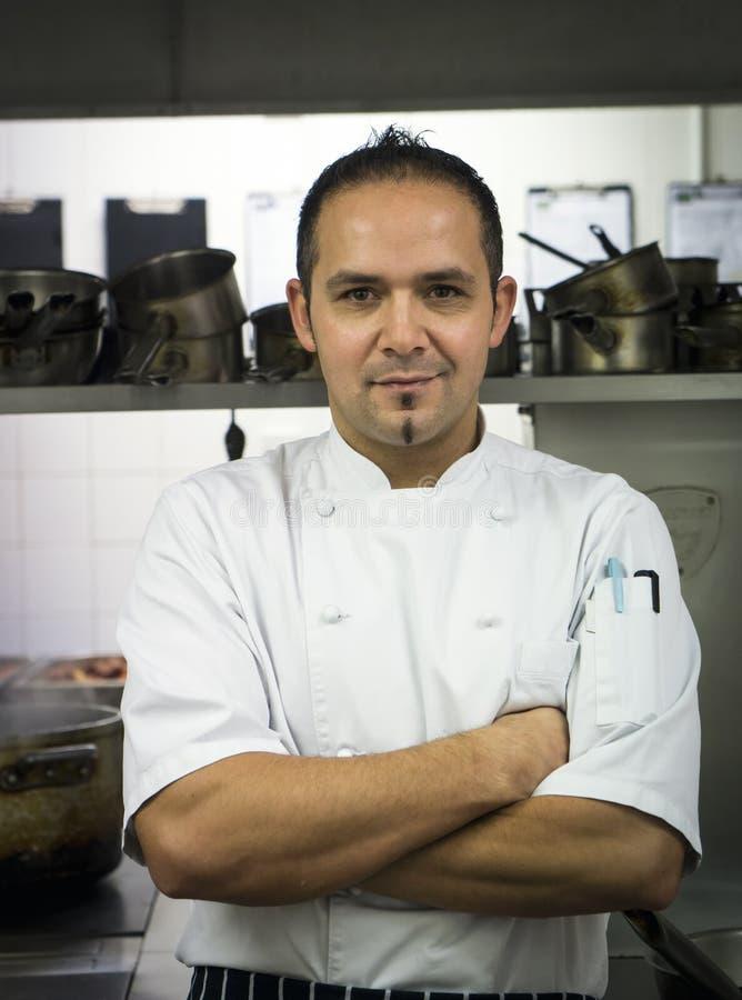 Chef-kok in de keuken royalty-vrije stock foto