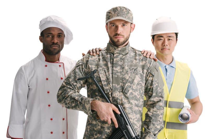 chef-kok en architecten ondersteunende militair met geweer stock afbeeldingen