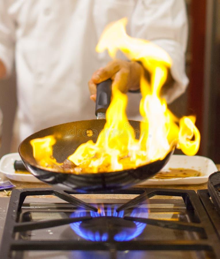 Chef-kok het koken royalty-vrije stock fotografie