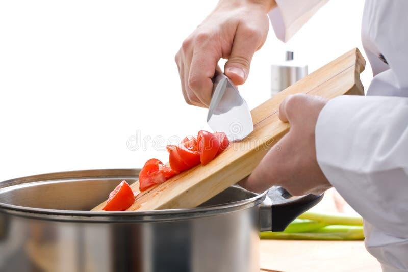 Chef préparant le repas photographie stock libre de droits
