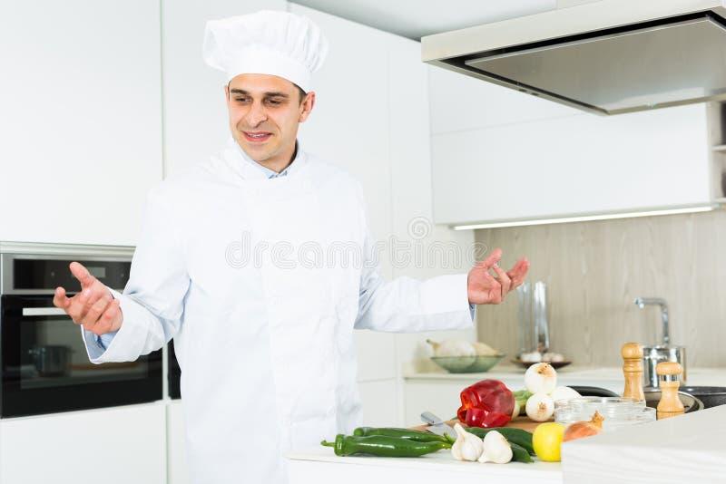cherche homme cuisinier)
