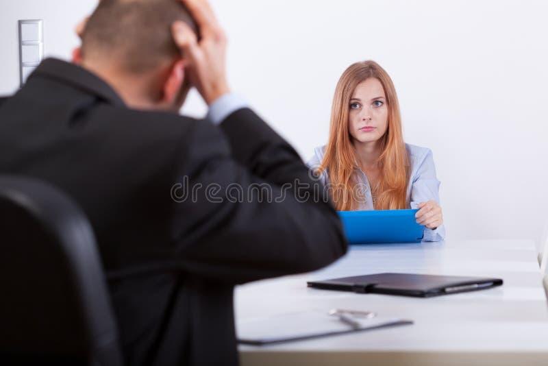 Chef und das aplicant lizenzfreie stockbilder