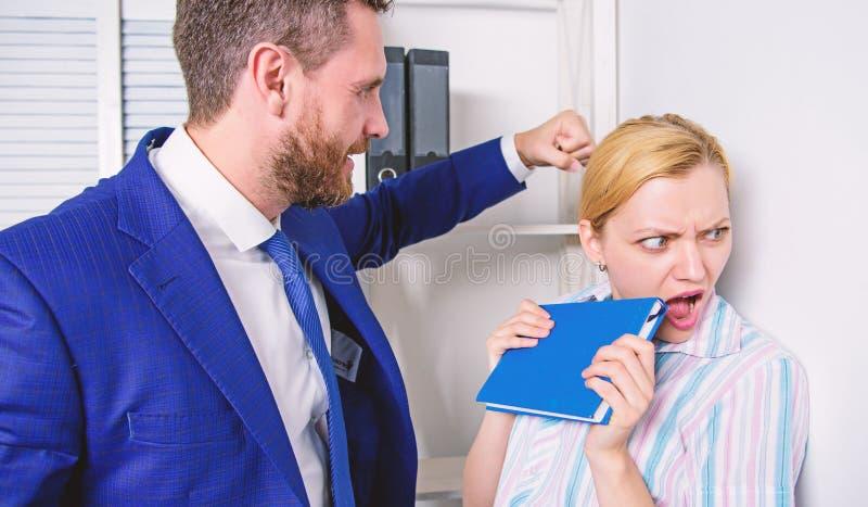 Chefkonflikt Stoppa v?ld mot kvinnor Mig f?r social r?relse arkivfoton