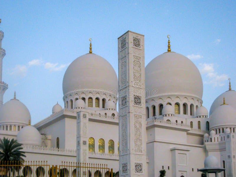 Cheik Zayed Grand Mosque est situé en Abu Dhabi, la capitale du cheik Zayed Grand Mosque des Emirats Arabes Unis images stock