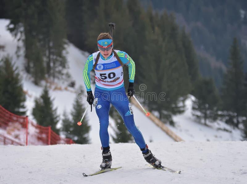 Cheile Gradistei, Roamania - Januari 24: Okänd konkurrent i IBU Youth& Junior World Championships Biathlon 24th Januari 2016 arkivfoton