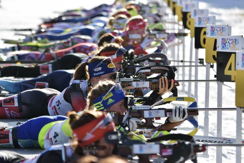 Cheile Gradistei Roamania, Styczeń, - 30: Niewiadomy konkurent w IBU Youth&Junior mistrzostw Światowym Biathlon obrazy stock