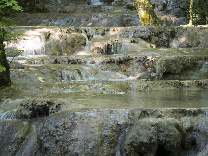 Cheile Nerei国家公园的,罗马尼亚Beiu河 免版税库存照片