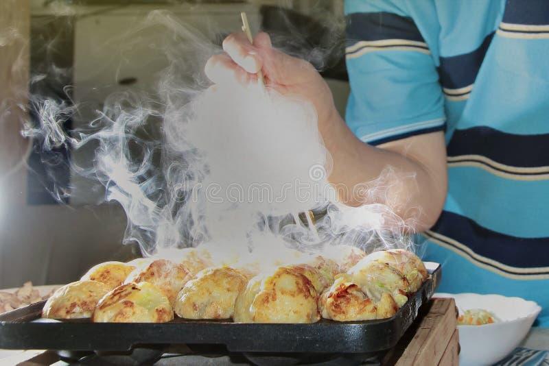 Cheiro do aroma da farinha japonesa de cozimento quente grelhada imagem de stock