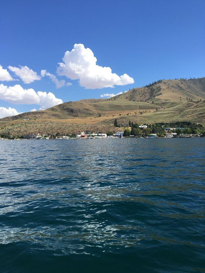 chelan lake arkivfoton