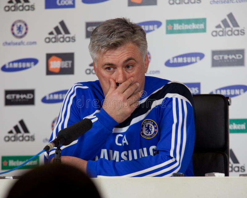 Chelsea : Carlo Ancelotti - 2009/12/30 #1 image stock