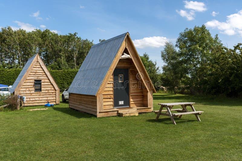 Cheltenham, Gloucetsershire,英国 木制露营豆荚 库存图片