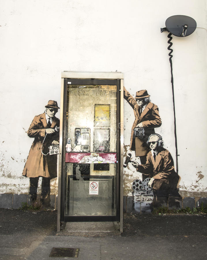 CHELTENHAM, UK - KWIECIEŃ 16, 2014: Graffiti Banksy sztuka, możliwie fotografia stock