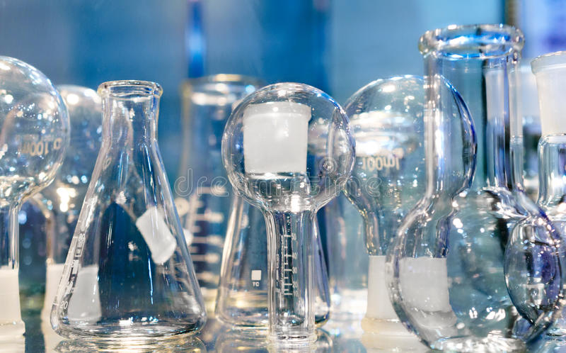 chemiczny glassware wizerunku laboratorium tonował abstrakcyjny tło obraz stock