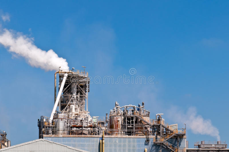 Chemikalie und Schmieröl refiniry stockbilder